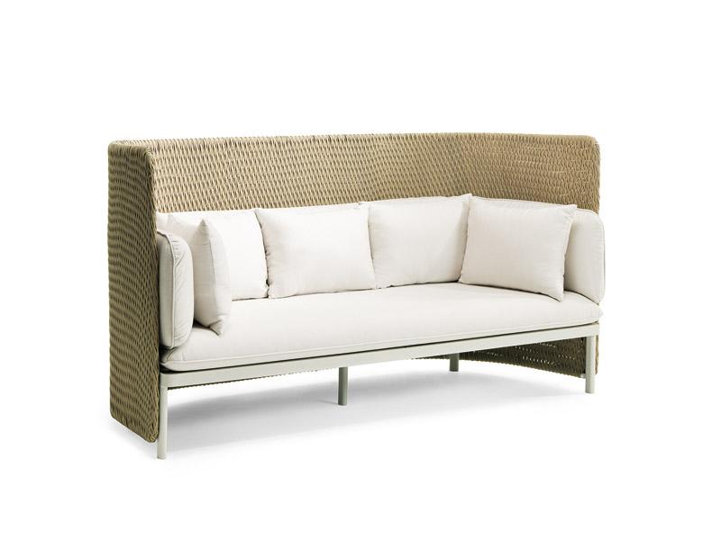 Divano outdoor a tre posti con schienale alto | Poltrone e divani ...
