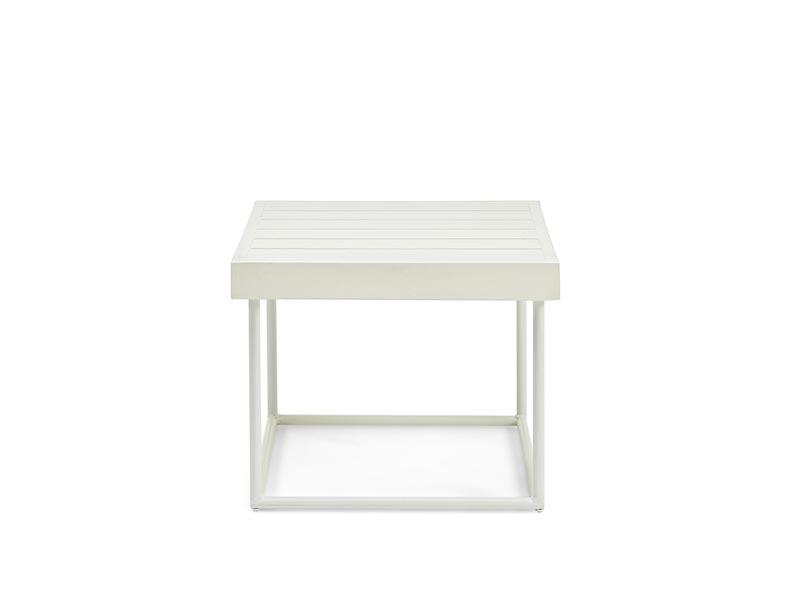 Tavolino Da Piscina.Arredamento E Lettini Da Piscina Di Design Ethimo Shop