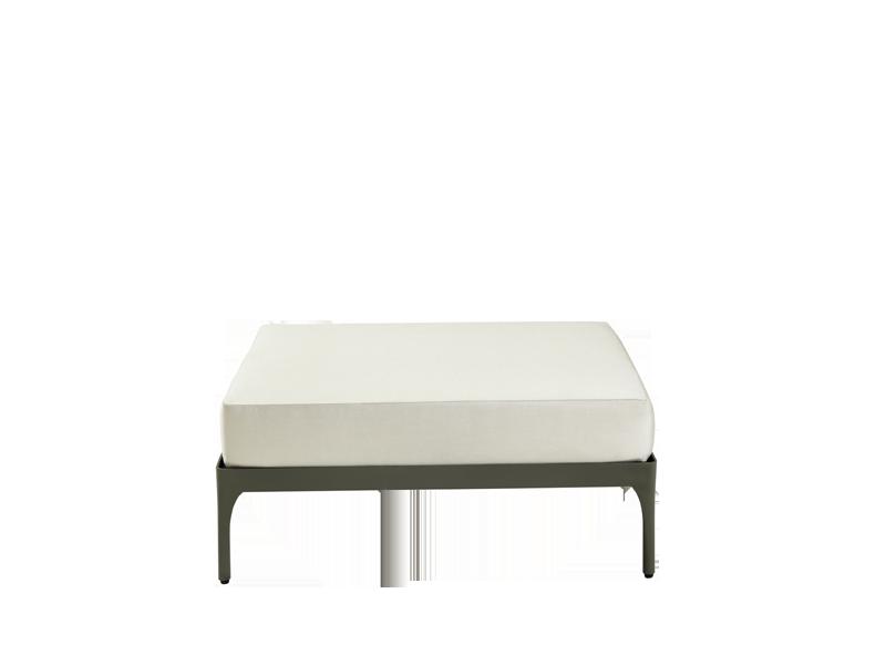 Tavolini da esterno e pouf da giardino | Ethimo Shop