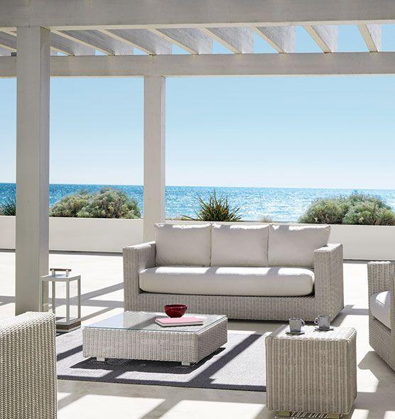Poggiapiedi da giardino in fibra etwick pouf e tavolini for Tavolini da esterno
