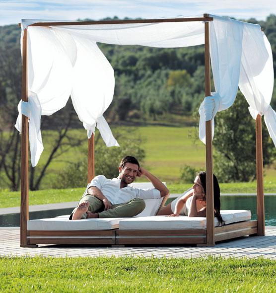 Essenza – Lettino da giardino matrimoniale in teak - Lettino da giardino a baldacchino Ethimo