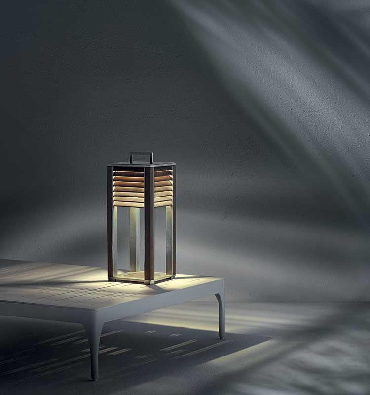 Ginger – Lampada da tavolo - Lampada in teak e alluminio Ethimo