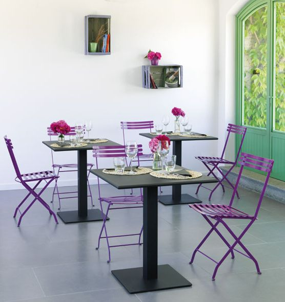 Flower – Tavolo da giardino quadrato - tavolo 70x70cm in metallo colorato Ethimo