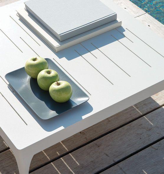Infinity – Tavolo da giardino quadrato - Tavolino basso quadrato per esterni Ethimo