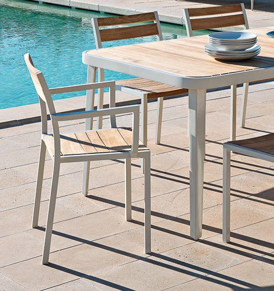 Poltroncina impilabile Meridien - Poltroncina per outdoor in teak e alluminio Ethimo
