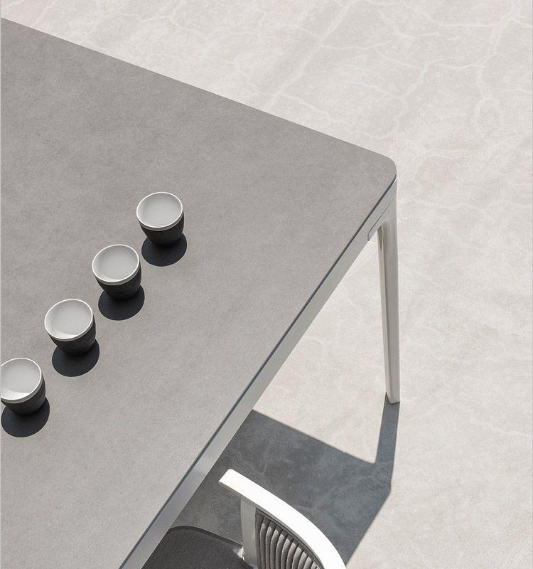 Tavolo grande rettangolare in alluminio e top in teak pietra ceramica o alluminio tavoli da - Tavoli in alluminio per esterni ...