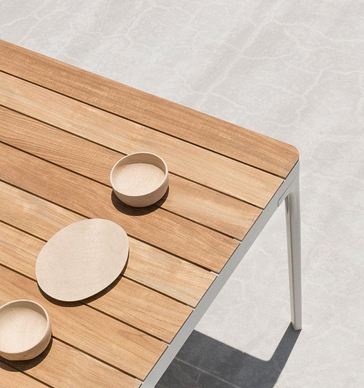 Tavolo grande rettangolare in alluminio e top in teak, pietra ...
