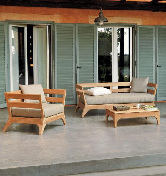 divano outdoor in teak naturale a tre posti con cuscino in tessuto